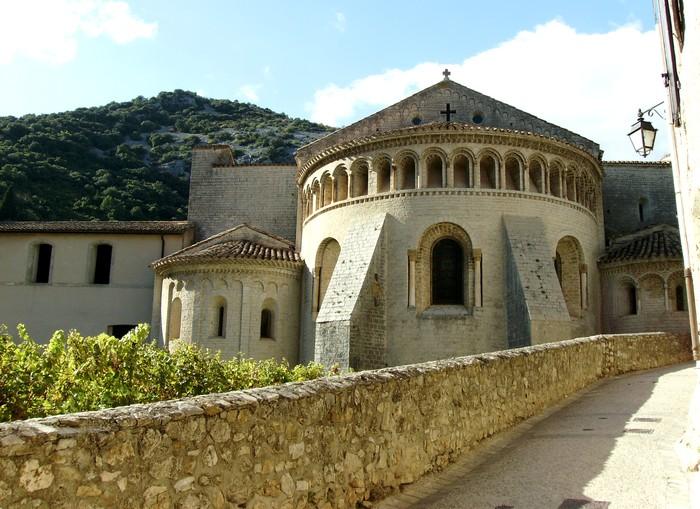 Abbaye de Gellone - Hérault, le Languedoc © Photothèque Hérault Tourisme - Julie Noclercq